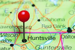 Huntsville pinned on a map of Alabama, USA Stock Photos
