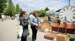 Vintage old market paris france, flea markets Stock Footage