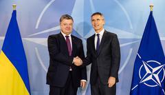 NATO Secretary General Jens Stoltenberg and President of Ukraine Poroshenko Kuvituskuvat