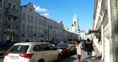 Vintage Pyatnitskaya street, the movement of vehicles and pedestrians Stock Footage