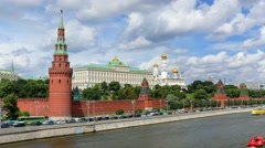 Sunny view of the Kremlin and the Moscow River with the ships Stock Footage