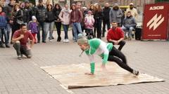 Downrock: Breakancers dancing on street - Khreshchatyk near Maidan Nezalezhnosti Arkistovideo