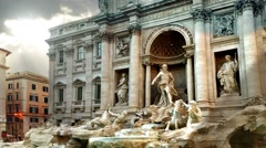 Fontana di Trevi in a Cloudy Day Stock Footage