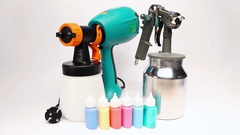 Electrical spray gun for coloration, for color pulverization . Stock Footage