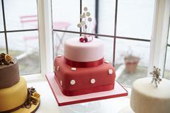 Window Display In Cake Decorating Shop Stock Photos