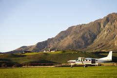 Light Aircraft Used For Skydiving In New Zealand Field Kuvituskuvat