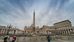 Time Laps of St. Peter's Basilica (blurred people) Stock Footage