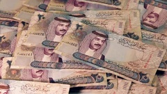 Bahrain - Arab Money - Zoom In - Full to empty Stock Footage