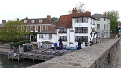 Ancient bridge and pub at Henley on Thames. Stock Footage