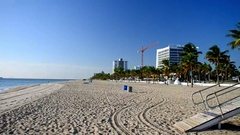 FORT LAUDERDALE  City beach on a beautiful day. Fort Lauderdale Stock Footage