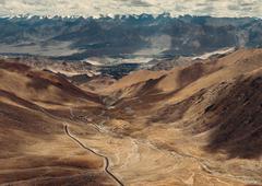 Top view on the mountain road to Leh Ladakh Stock Photos