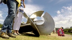 Sydney Sculpture By The Sea time-lapse zoom out Stock Footage