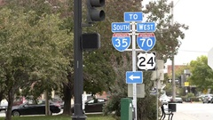 Sign for highway on ramp in Kansas City downtown 4k Arkistovideo