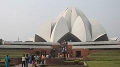 Bahai Lotus temple Stock Footage