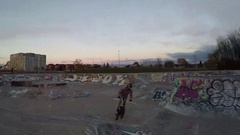 Bmx one foot trick over hip Stock Footage