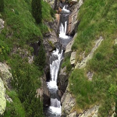River detail on the Pyrenees (Spain) Vall de Nuria Stock Footage