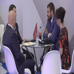 SOCHI, RUSSIA - :The Businessmen sign the agreement at the Stock Footage