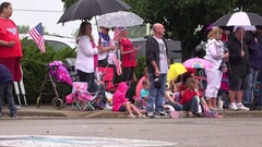 People along Fairborn Ohio parade route 4k Stock Footage