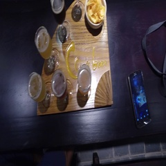 4k birdseye of craft beer flight Stock Footage