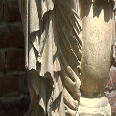 Statue of medieval man without a head Stock Footage