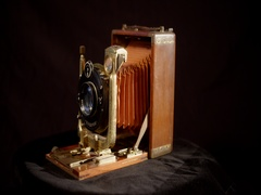 Rotating antique wet plate camera 1910 Stock Footage
