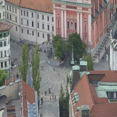 Crowded center of Ljubljana, Franciscan Church of Annunciation, Preseren Square Stock Footage