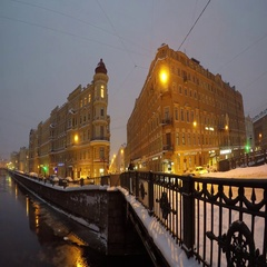 Kokushkin Bridge across Griboedov Canal in St.Petersburg at night. Time lapse Stock Footage