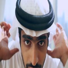 Arab man adjusting his keffiyeh. Stock Footage