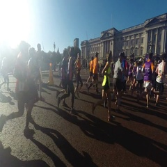 Editorial video of half marathon near Buckingham palace in London time lapse Stock Footage