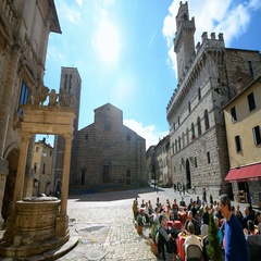 Piazza Grande Square with Palazzo Contuzzi in the Montepulciano, Italy Stock Footage