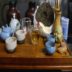 Master of tea does the tea ceremony with the tea set, da hong pao tea Stock Footage