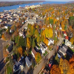 Autumn aerial flyover of scenic neighborhood in Sturgeon Bay, Wisconsin Stock Footage