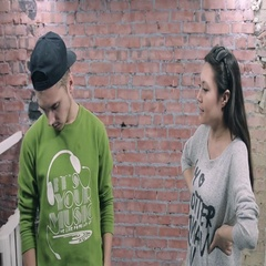 Young girl depict quarrel with drunk man in green pullover. Actor casting. Brick Stock Footage