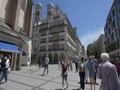 Munich street centre and view of Frauenkirche Stock Footage