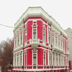 Stunning baroque building in Odessa, Ukraine on cloudy day Stock Footage
