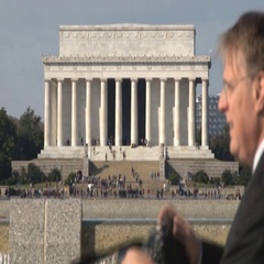 Tourist snaps photo of Veterans Day in D.C. Arkistovideo