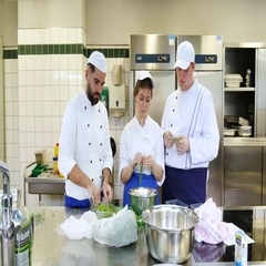 Preparation for lunch in a commercial kitchen. Stock Footage