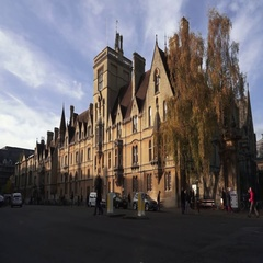 Oxford University Building with busy streets Arkistovideo