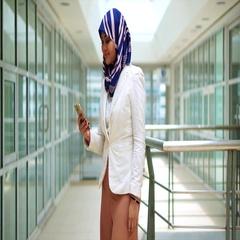 Business woman talking on phone Arkistovideo