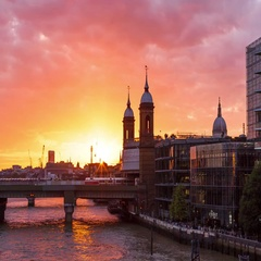 Sunset day to night TIme-Lapse Hyper-Lapse at Cannon St Station, London Stock Footage