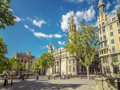 Hyperlapse of postal and telegraph building in Barcelona, Spain. Stock Footage