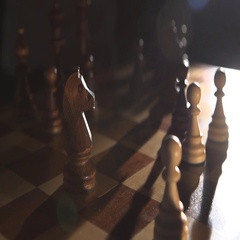 Play chess makes a move Stock Footage