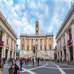 Motion timelapse of people crowd at Capitoline Hill near Palacco Senatorio. Stock Footage
