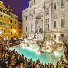 Night timelapse of the Trevi Fountain (Fontana di Trevi) with people crowd Stock Footage