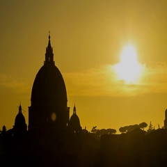Timelapse of sunset above the Vatican city and Saint Peter's Dome basilica Stock Footage