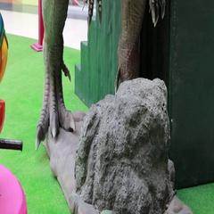 Statue of tyrannosaurus dinosaur Stock Footage