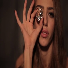 Model twist in hand a large diamond Stock Footage