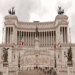 The beautiful and impressive building of National Monument Vittorio Emanuele. Stock Footage