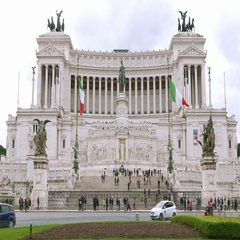 Viktor Emanuel National Monument in the city of Rome Stock Footage