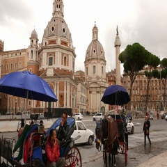 Horse drawn cabs at Venetian Square in Rome - Piazza Venezia - a tourist Stock Footage